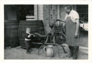Weingutsgründer mit Enkel Wolfgang